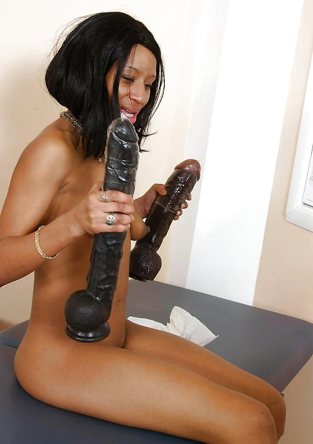 Ebony dildo sex