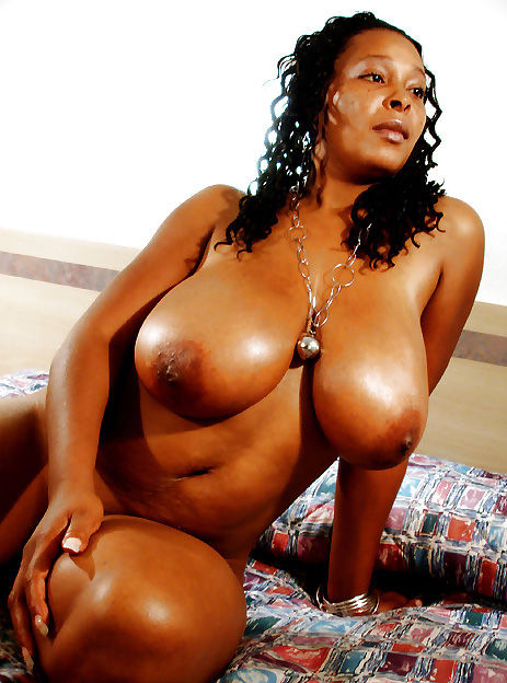 naked Thick moms