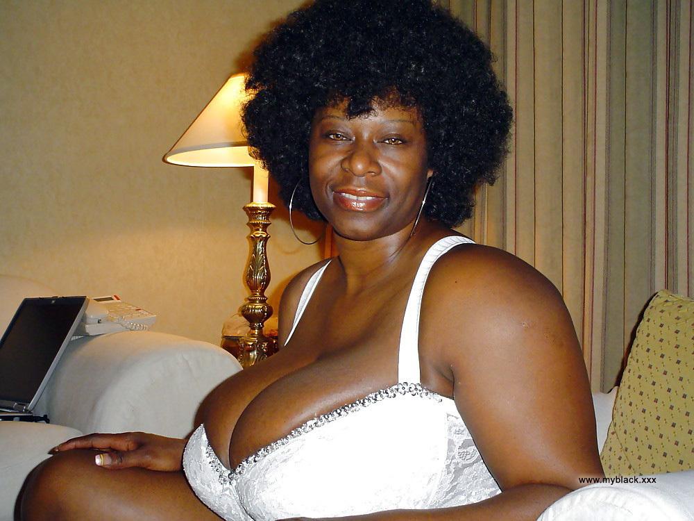 Mature ebony big tits gallery Black Amateurs Naked Big Breasted Ebony Matures Erotic Pics