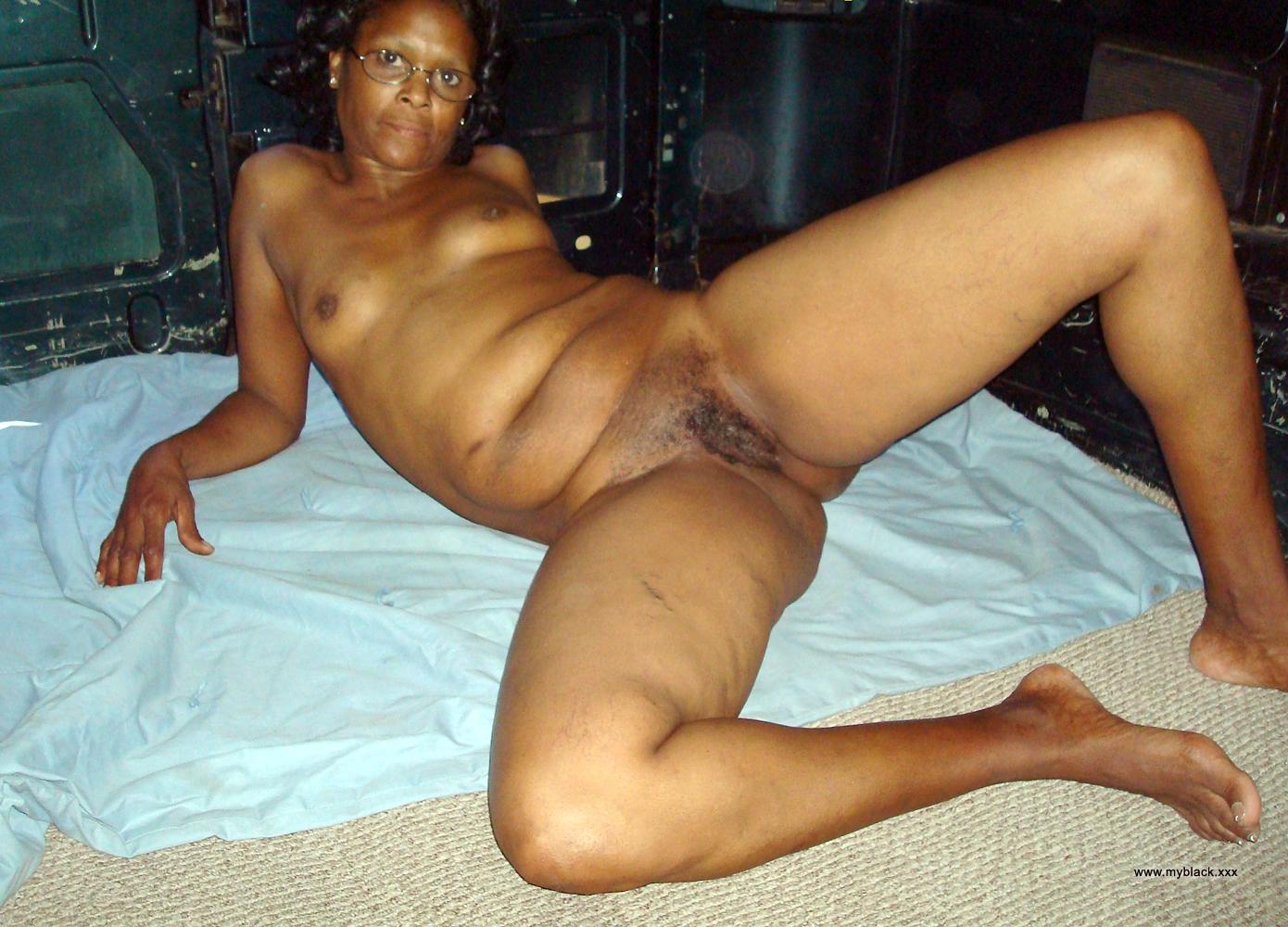 Mature black women posing nude Black Amateurs Naked Black Mature Woman Posing In White Pantie Public